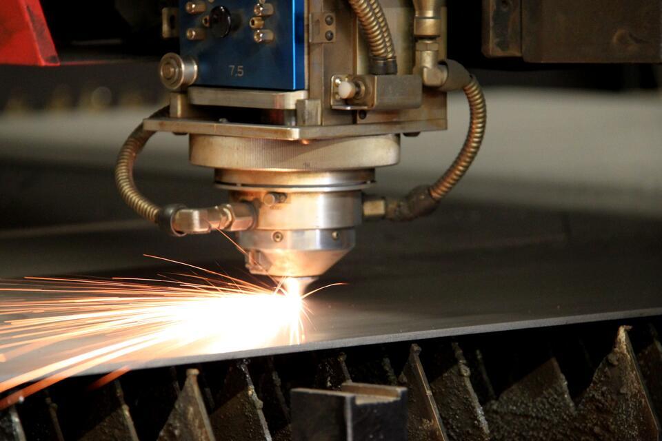 Lasersnijden: verbeter de kwaliteit met snijgas